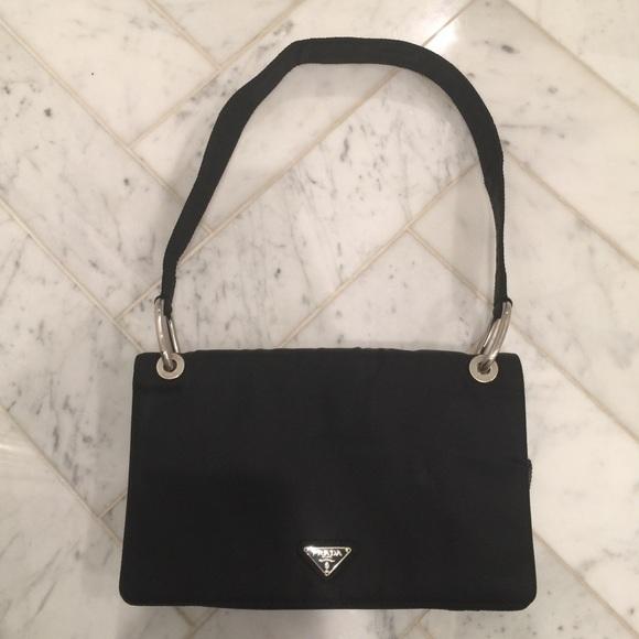a3239196ec17 Authentic Prada handbag. M_5ae6b1743afbbd5095562a4c